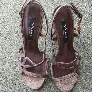 Nina Shoes - Nina, Metallic Copper Colored heels.  Size 7.